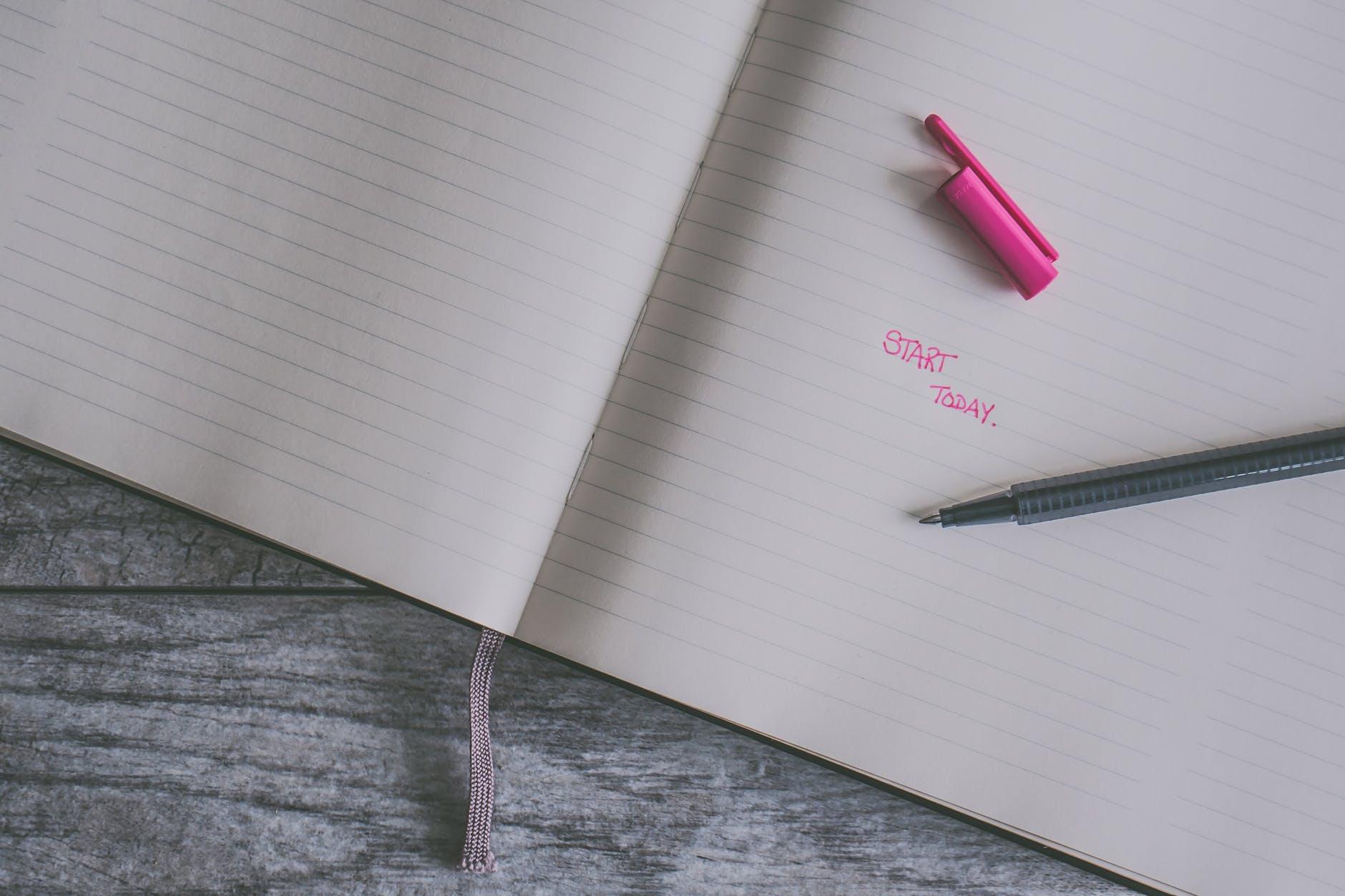 10 Alat Tulis Yang Membuat Catatanmu Semakin Keren Dan Aesthetic